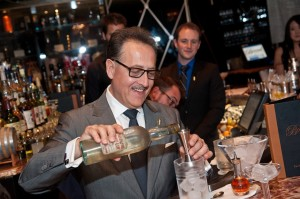 Photo 2: Master mixologist Salvatore Calabrese creates the world's oldest martini at Bound by Salvatore at The Cromwell. © PATRICK GRAY/ Kabik Photo Group