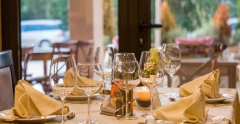 """Vintage Eve Circa October 2015: Eve Reviews Brent Boso on """"Leadership: The 5 Fundamentals for Restaurant Managers"""""""